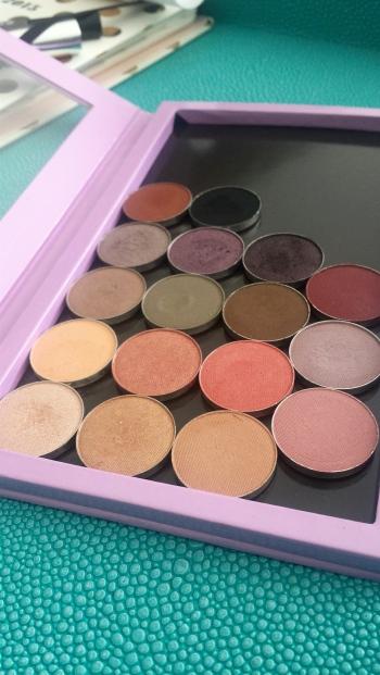 Makeup Geek shadows in a large Z-Palette